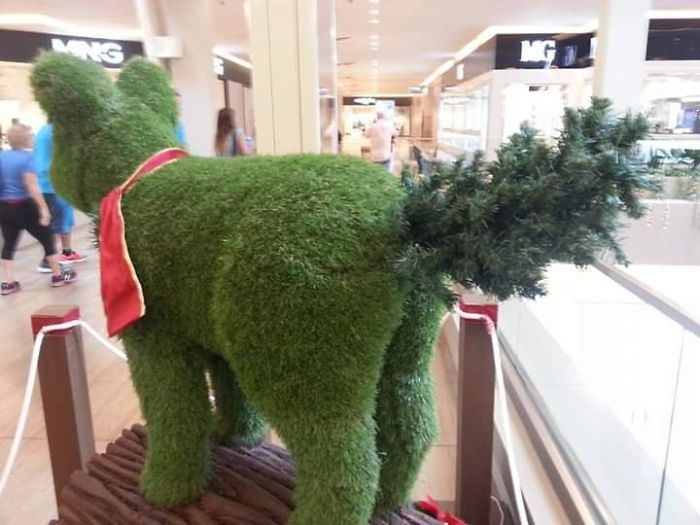 funny Christmas lawn decorations
